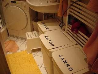 worin sammelt sortiert ihr die schmutzw sche seite 4 stillen und. Black Bedroom Furniture Sets. Home Design Ideas